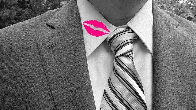 男が浮気をする進化心理学的な理由。男女の恋愛観の違いを解説